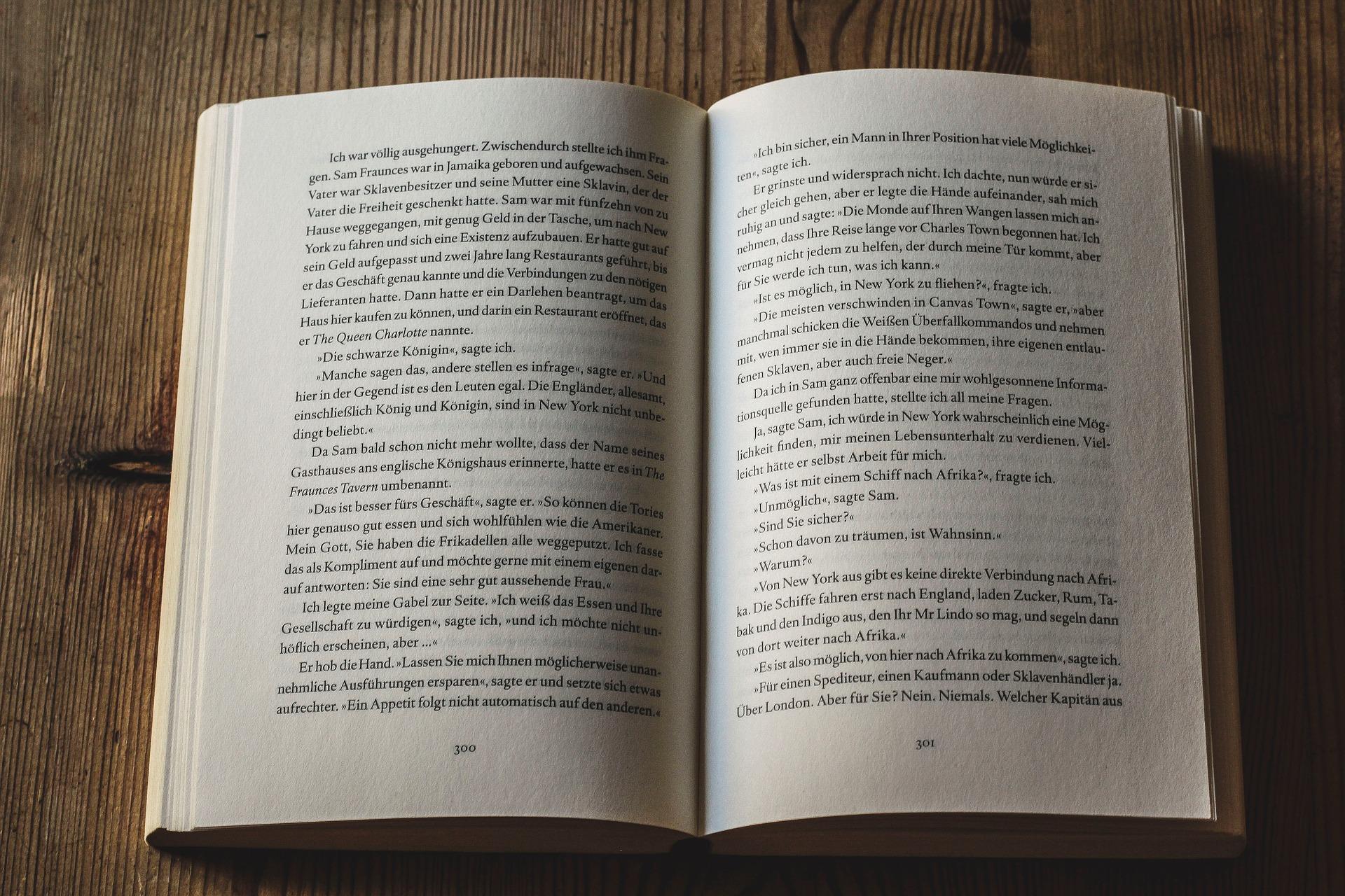book-3999893_1920